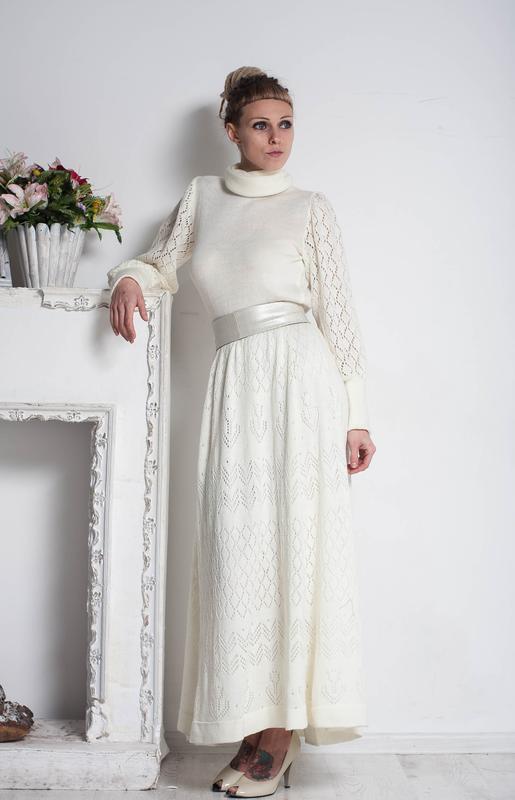 Белое ажурное вязаное макси платье с длинным рукавом