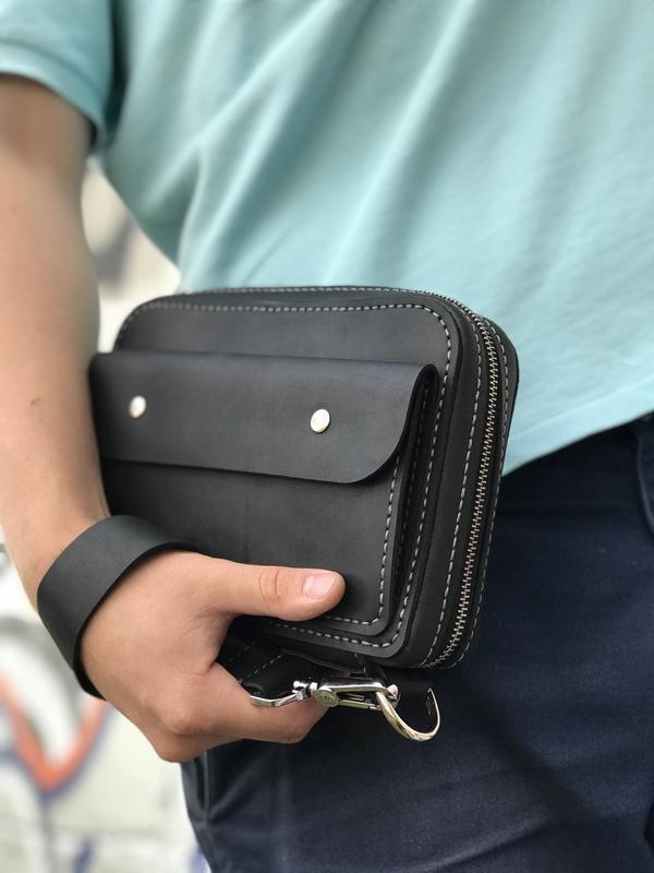 Мужская сумка / барсетка ; вместительная, с двумя ручками