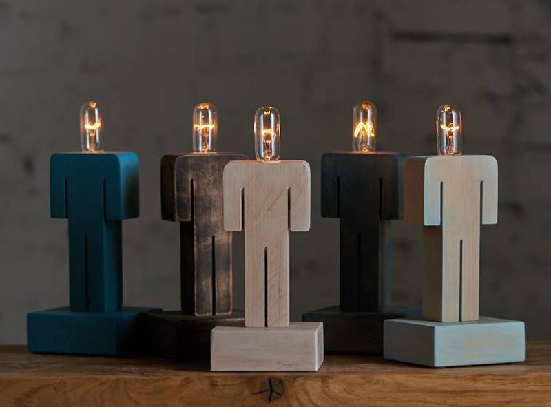 Светильник настольный деревянный Лайтмен
