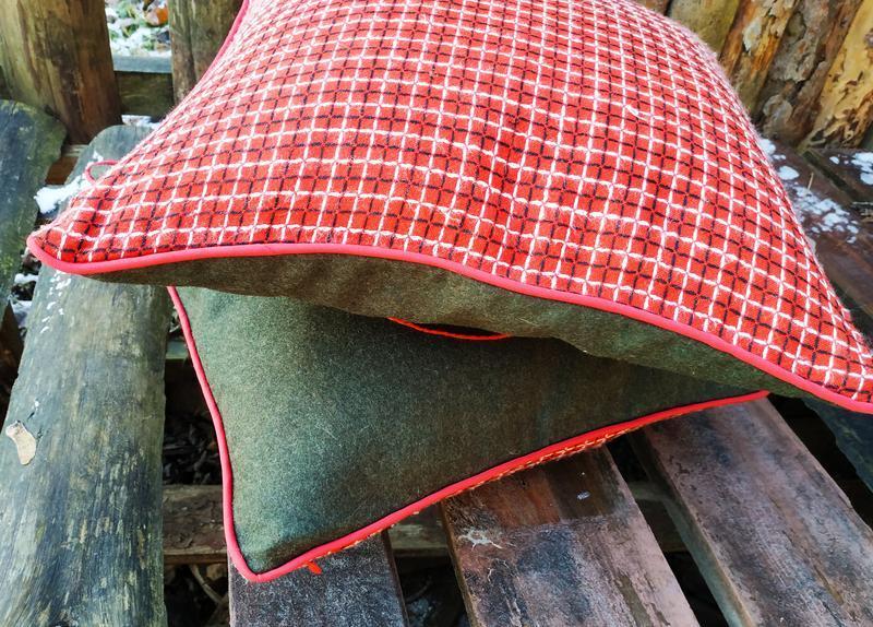 Подушка с вышивкой
