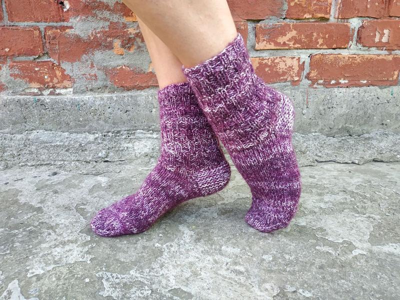 Фиолетовые теплые вязаные носки