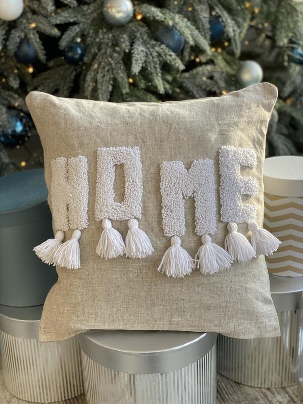 Стильная подушка  HOME