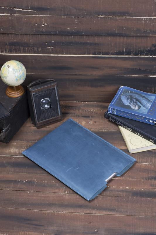 Компактный чехол для Macbook из натуральной кожи голубой