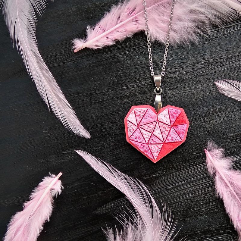 Полигональная подвеска Сердце для любимой, или влюбленной. Геометрический кулон Сердце для девушки