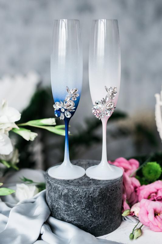 Бокалы на свадьбу Марс и Венера. Свадебные бокалы розово - синие.