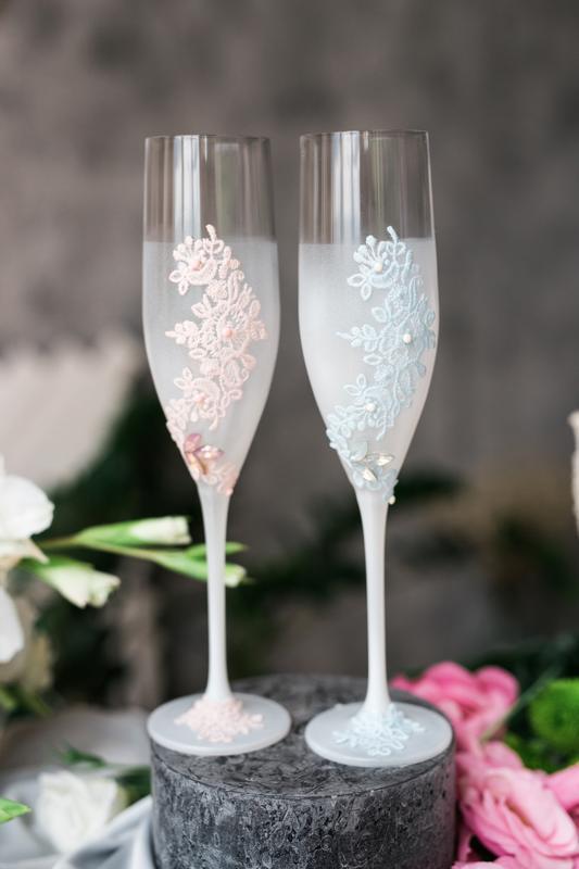 Свадебные бокалы Силуэты весны. Бокалы на стол молодожен.