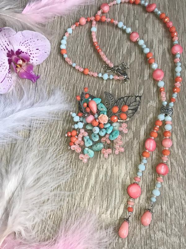 Намисто- брошка, корал, кришталик