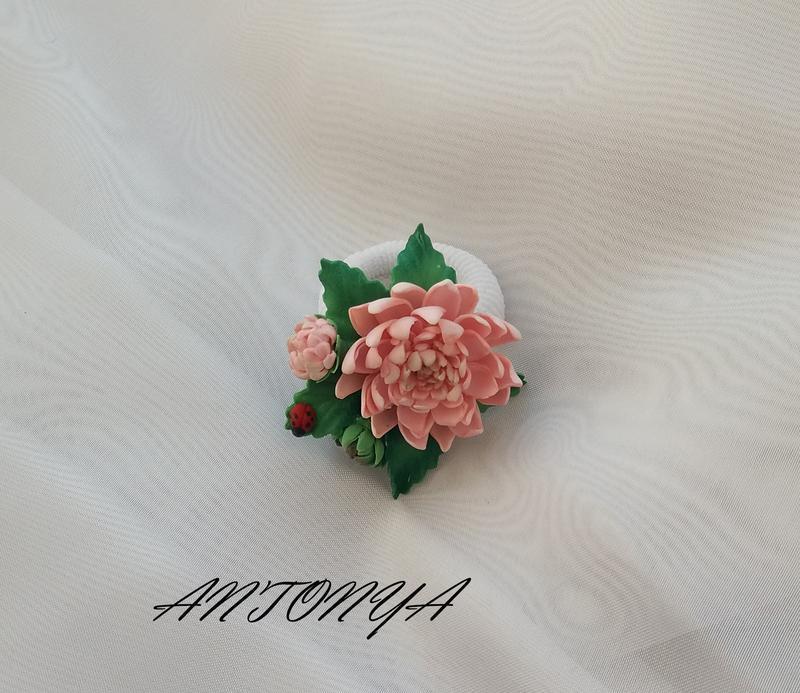 Резинка для волос с цветами
