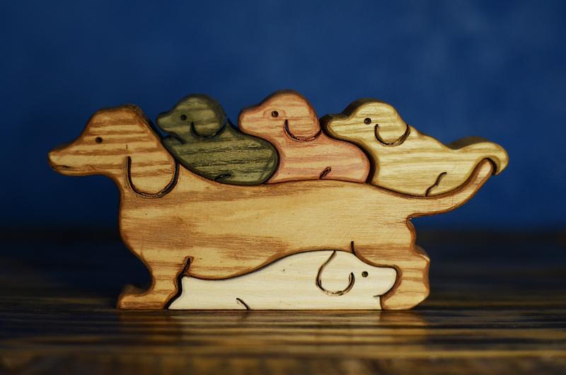 "Деревянная игрушка - пазл ""Семейство такс"""