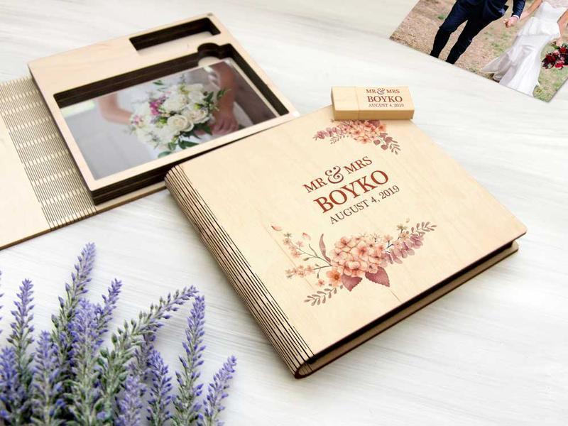 Красивый деревянный бокс для свадебных фотографий и флешки