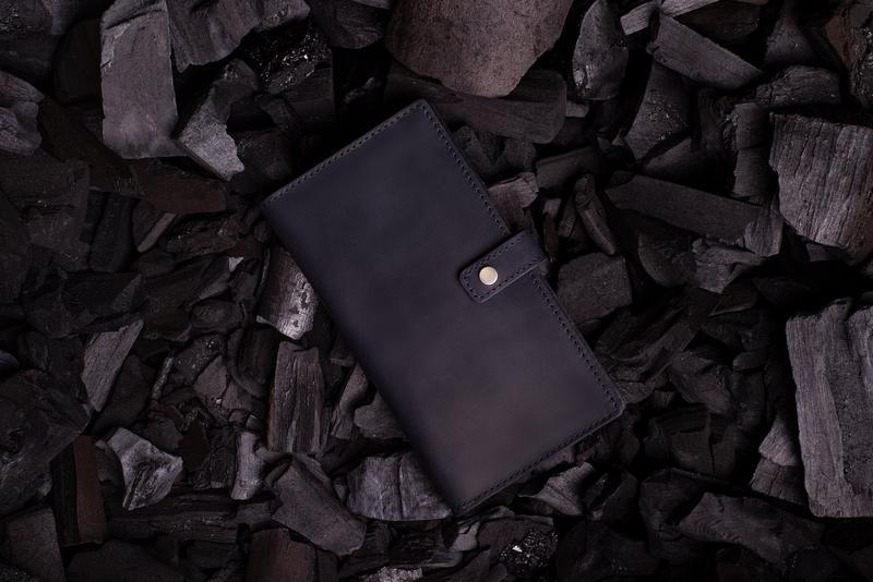 Мужское портмоне Эдвард из натуральной кожи в темно-синем цвете от мастерской Hidemont 0171