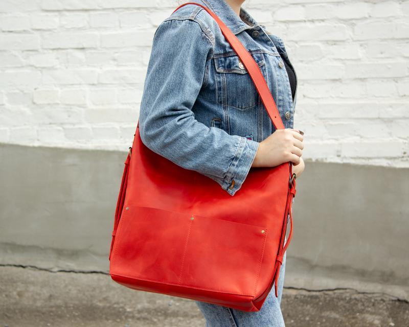 Шкіряний рюкзак-трансформер червоний