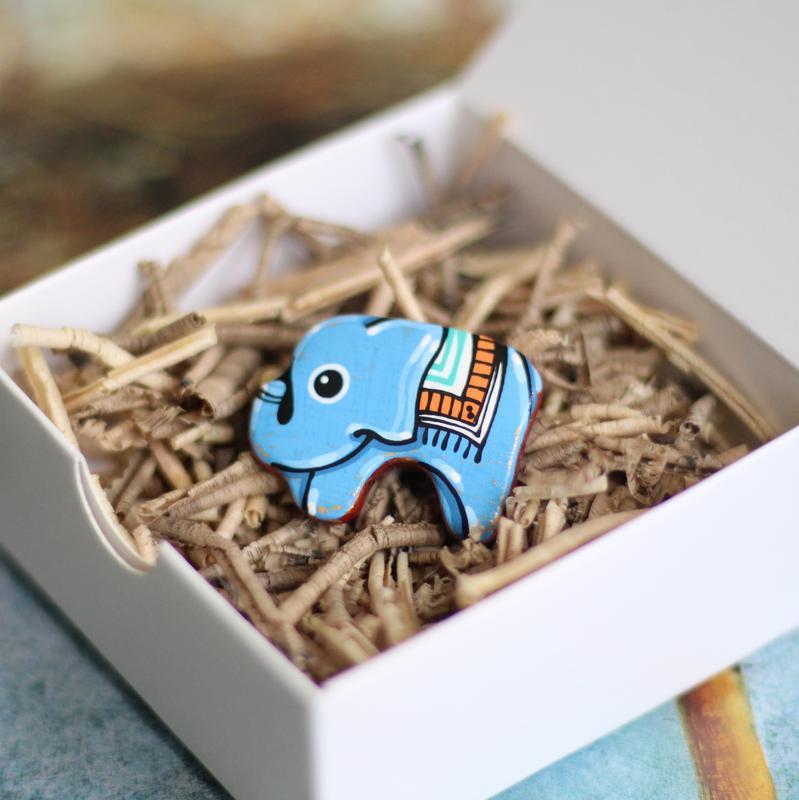 Деревянная брошка слон. роспись.Лак.Подарок девушке