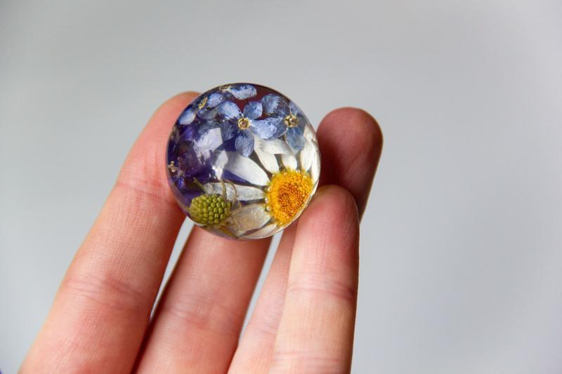 Кулон с ромашкой (кулон с настоящими цветами, цветы в смоле, украшения с цветами)