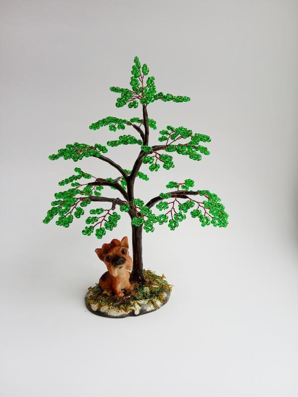 Дерево с собачкой