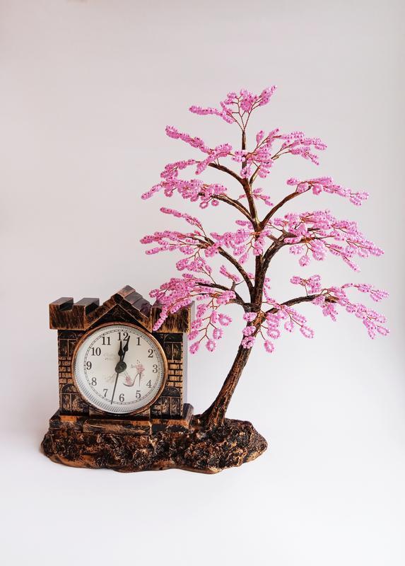 Часы с сакурой