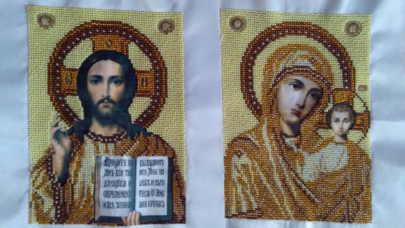 Пара венчальных икон вышитых бисером