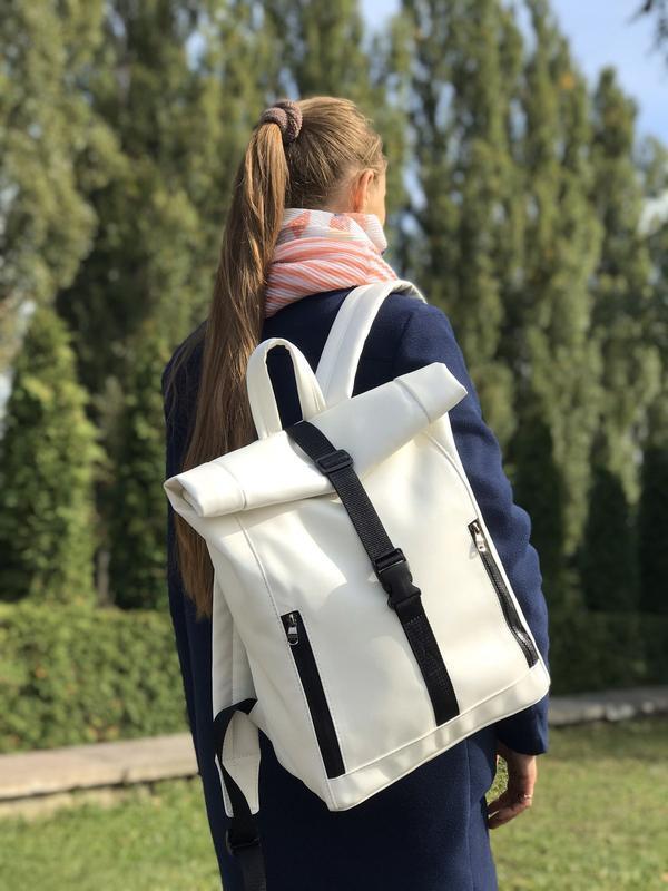 Женский белый рюкзак-ролл для путешествий