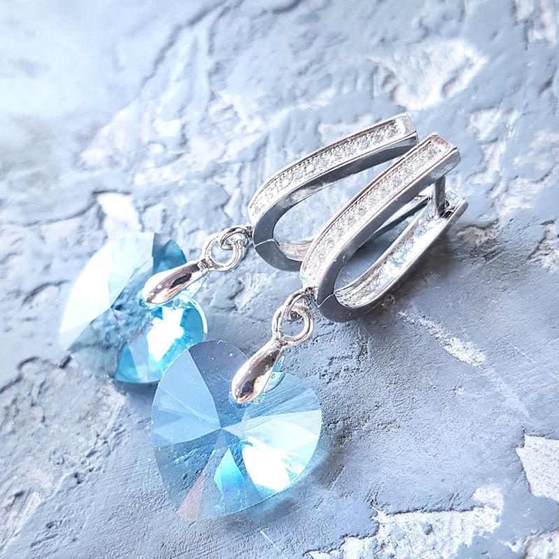 Серьги с кристаллами Swarovski в форме сердца подарок на 8 марта девушке жене