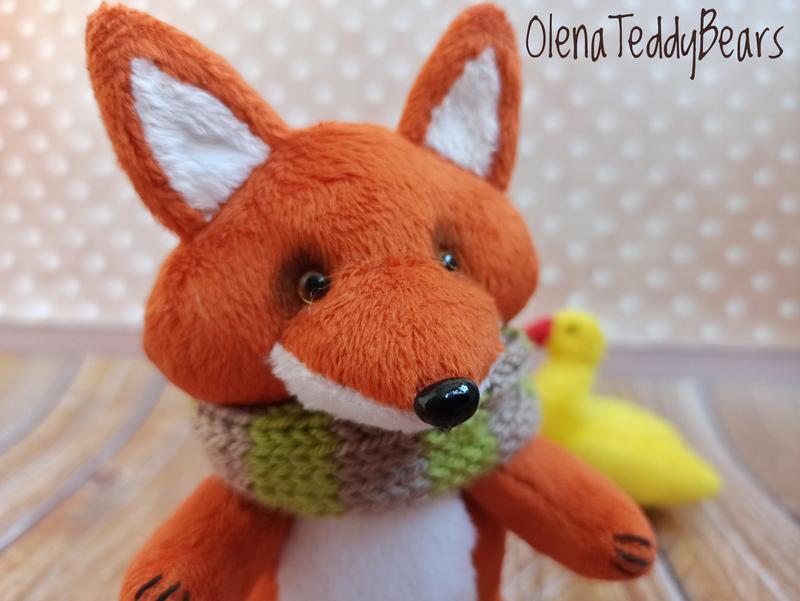 Плюшевый лис с уточкой