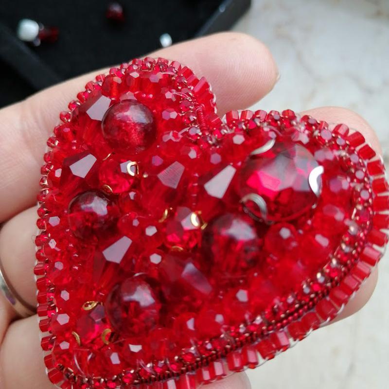Брошка Сердце ручной работы, в наличии, Киев