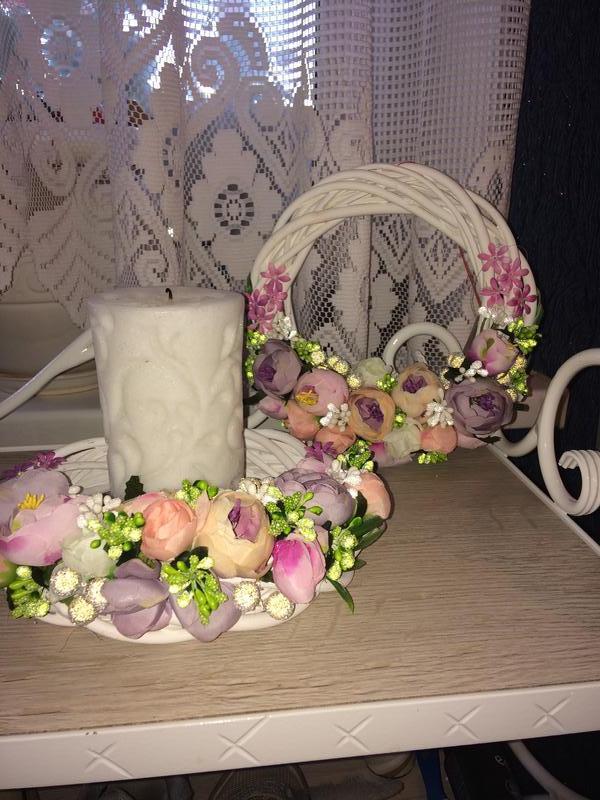 Венок из лозы, цветочная композиция