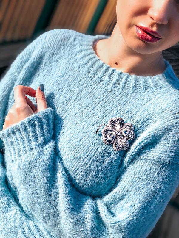 Брошь лист клевера в серебре. Брошь на шапку. Брошь на свитер. Подарок для мамы.
