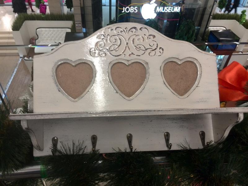 Белая ключница в стиле прованс Настенная ключница с фоторамкой Ключница с сердечками