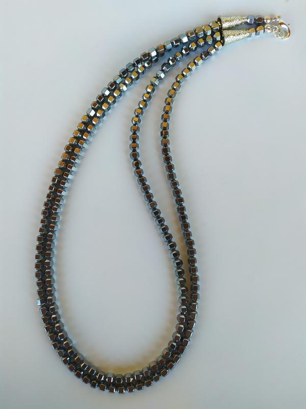 Ожерелье из камня гематит