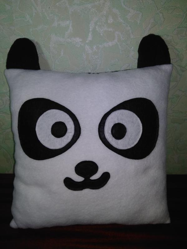 Флисовые  подушки котик и панда