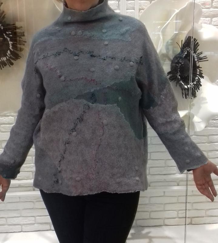 Стильный валяный свитер,свитшот из мериноса.