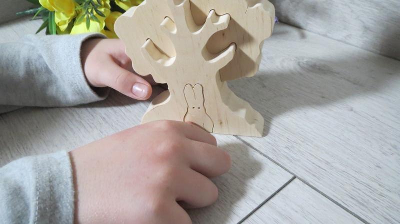 Деревянная игрушка пазл Дерево зайчик кролик