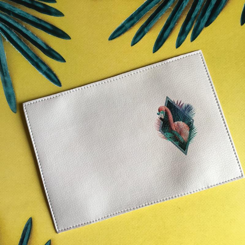 Женская обложка на паспорт Фламинго