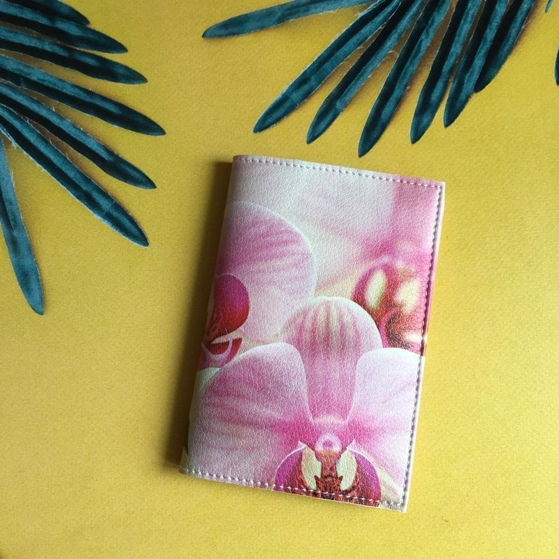 Яркая обложка на паспорт Орхидея