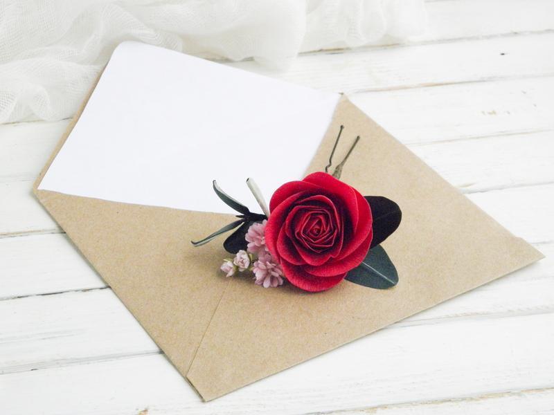 Шпилька с малиновой розой / Шпилька  с цветами в прическу невесты