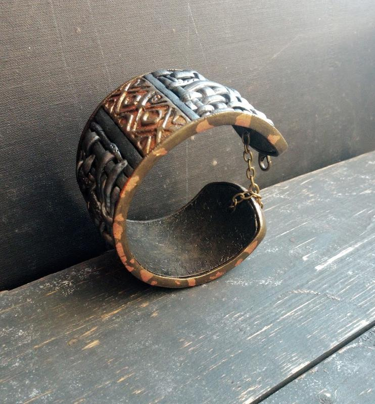 Регулируемый браслет из полимерной глины