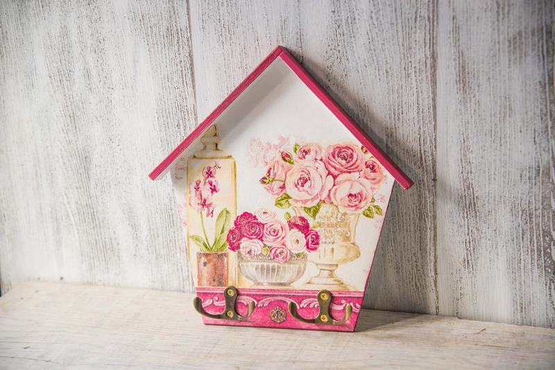 Ключница настенная домик в винтажном стиле