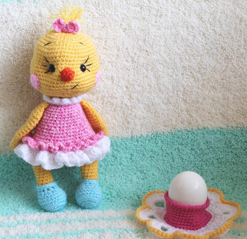 Цыплята в платьицах