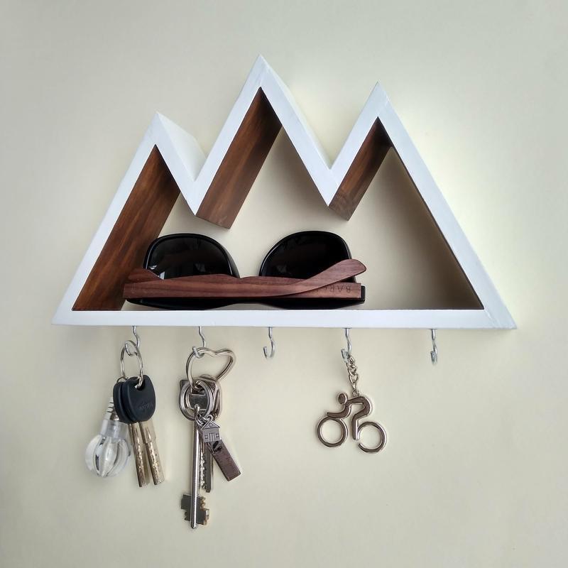 Настенная ключница-полочка Big Mountains в двух цветах