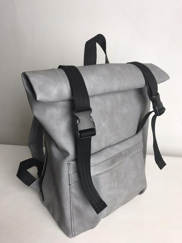 Вместительный рюкзак ролл из нубука