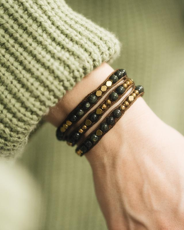 Женский браслет из натуральных камней. Браслет из гематита и змеевика.
