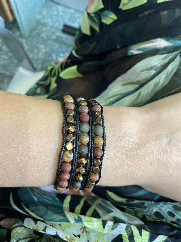 Женский браслет из натуральных камней яшма и гематит