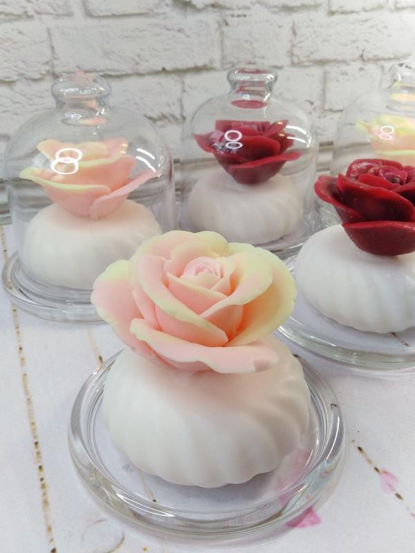 Роза в стеклянной колбе.  Мыло на козьем молоке