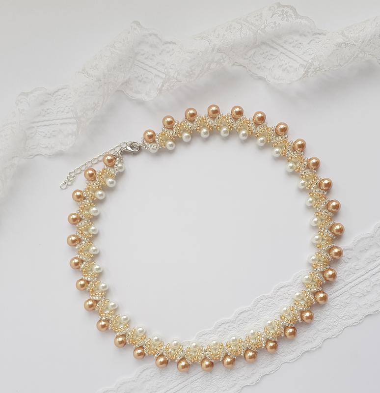 Колье, ожерелье, бусы, намисто бело-золотое из бисера ручной работы
