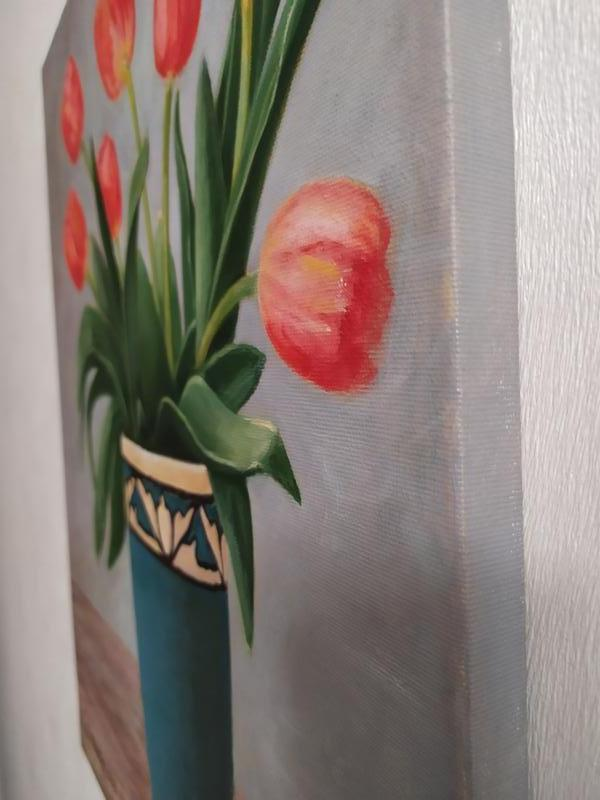 Натюрморт Тюльпаны в синей вазе