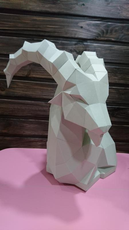 Горный козел из картона.
