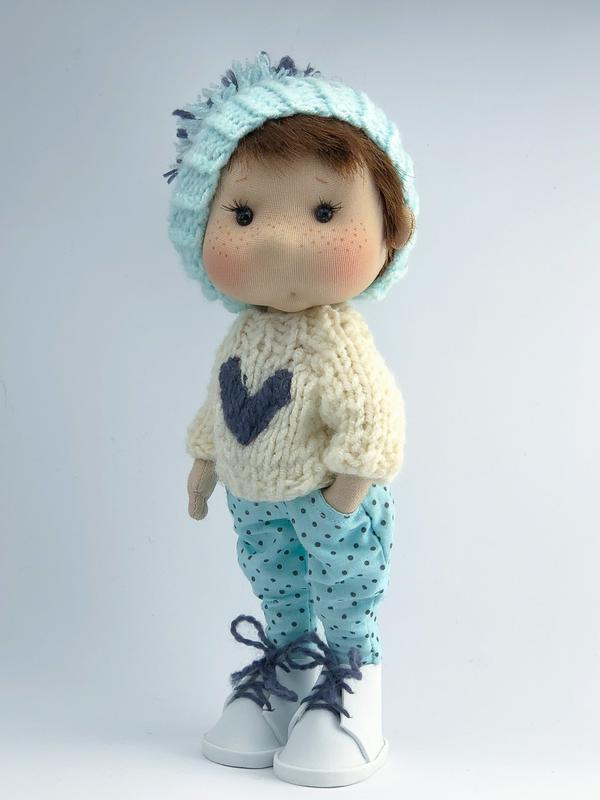 Игровая кукла мальчик в штанах в горошек