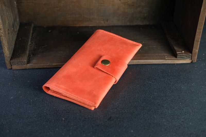 Кожаный кошелек Berty 18см, кожа Crazy Horse, цвет Красный