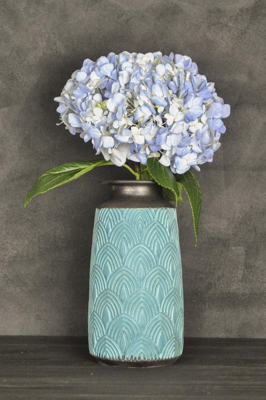 Ваза для цветов с фактурой