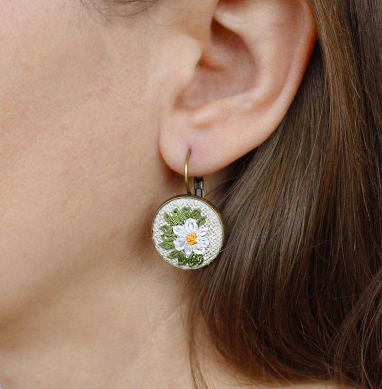 Летние серьги ромашки Маленькие сережки для девушек Украшения бохо на лето